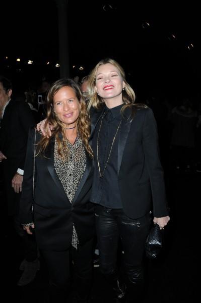 Kate Moss et Jade Jagger au défilé Saint Laurent à Paris ,le 3 mars 2014.
