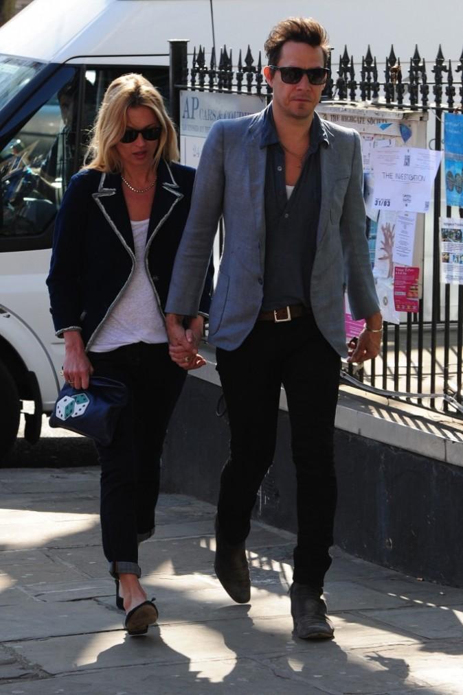 Kate Moss et son mari Jamie Hince à Londres, le 27 mars 2012.