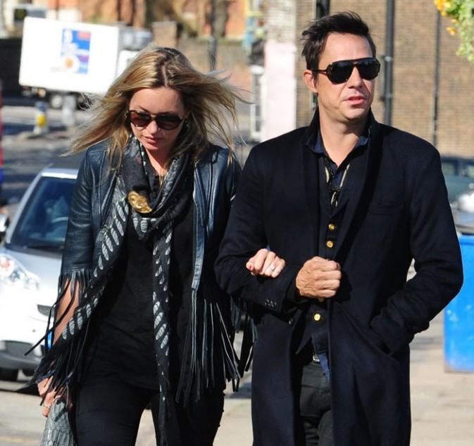 Kate Moss et son époux, Jamie Hince, rentrent chez eux