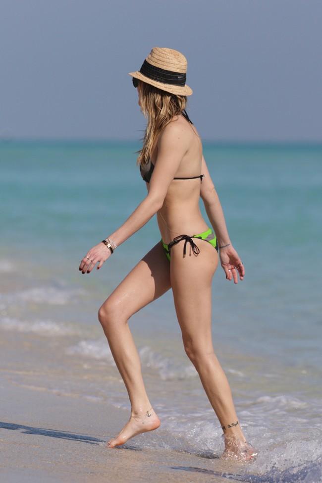 Katie Cassidy à Miami le 19 décembre 2014