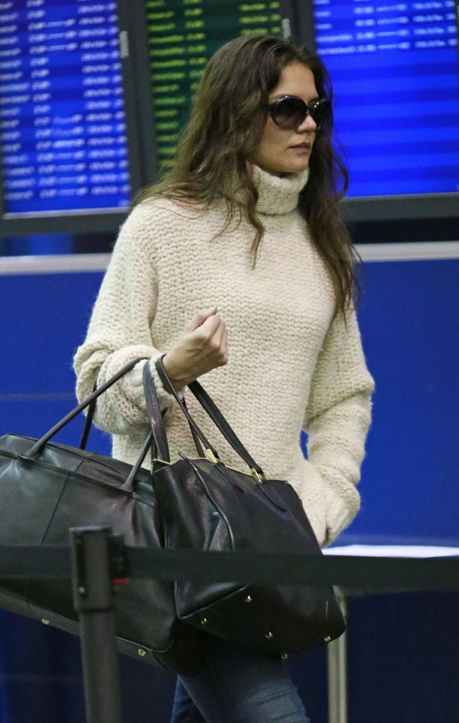 Katie Holmes à l'aéroport de la Guardia de New-York le 21 novembre 2012
