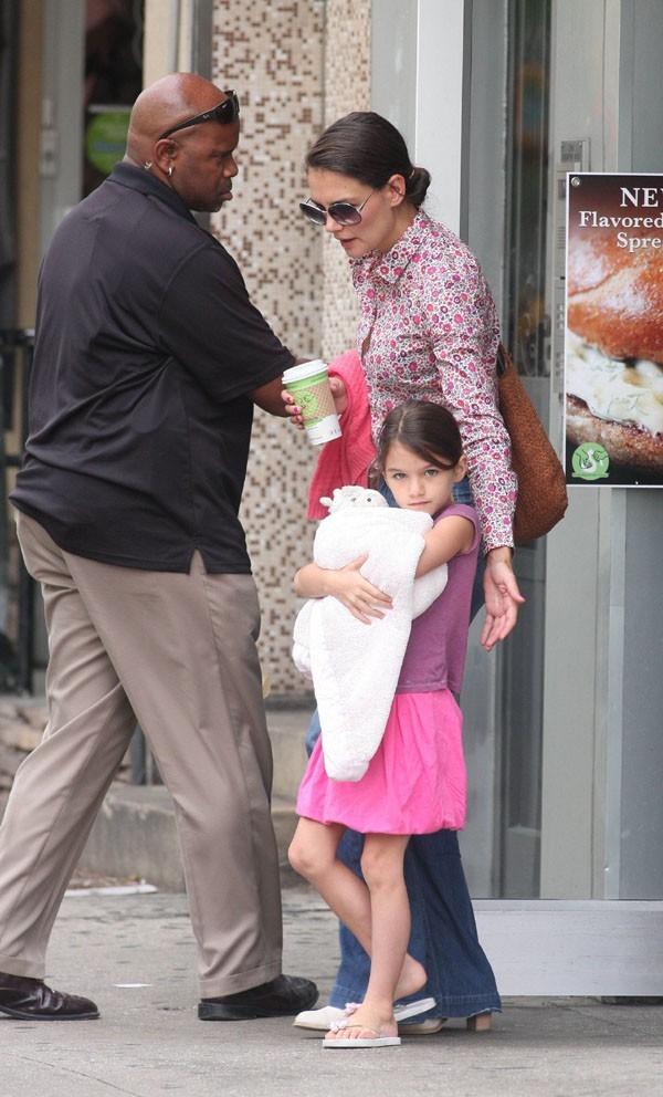 Katie Holmes et Suri dans les rues de New-York le 30 juillet 2012