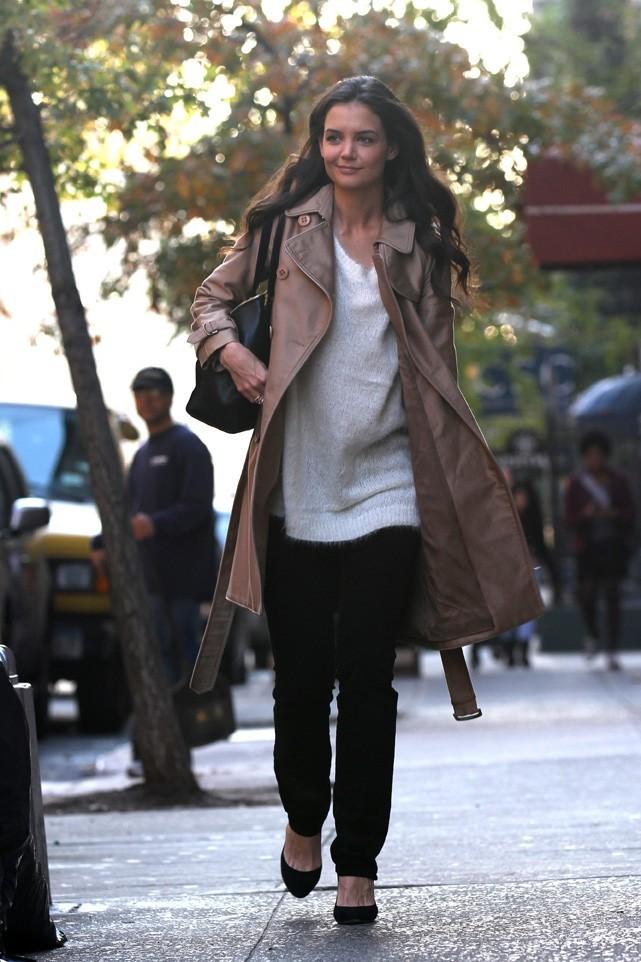 Katie Holmes se rend sur le plateau de Good Morning America