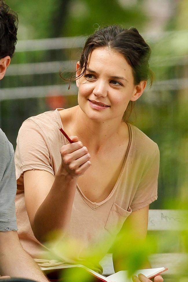 Katie Holmes sur le tournage de Mania Days à New-York le 21 mai 2013
