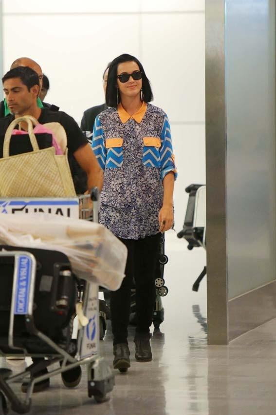 Katy Perry à son arrivée à l'aéroport de Tokyo le 24 septembre 2012