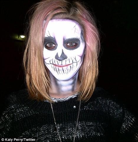 Katy Perry en mode Halloween...