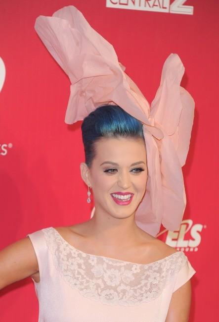 Katy Perry lors de la soirée 2012 MusiCares Person of the Year Tribute à Los Angeles, le 10 février 2012.
