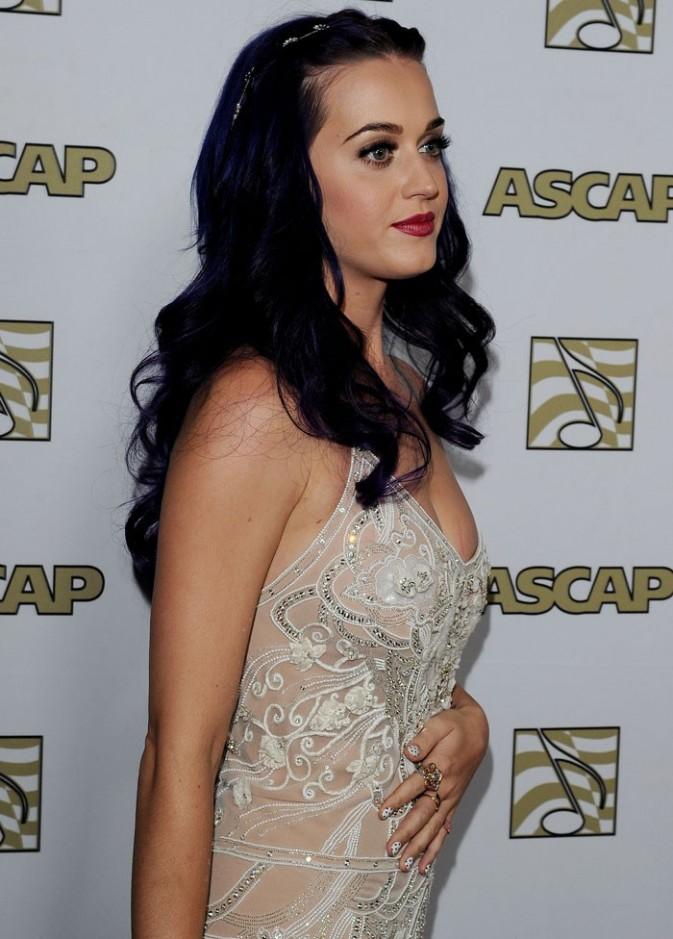 Katy, en manque de Russell Brand ?