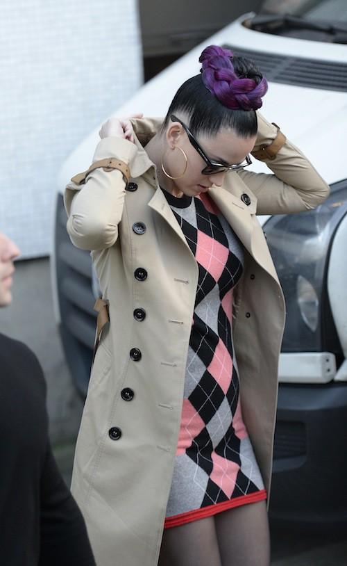 Photos : Katy Perry : la tresse colorée, nouvelle folie capillaire !