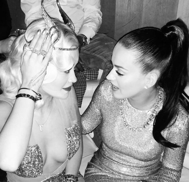 Katy Perry : pas diva pour un sou, elle prend le métro pour le jour de l'an !