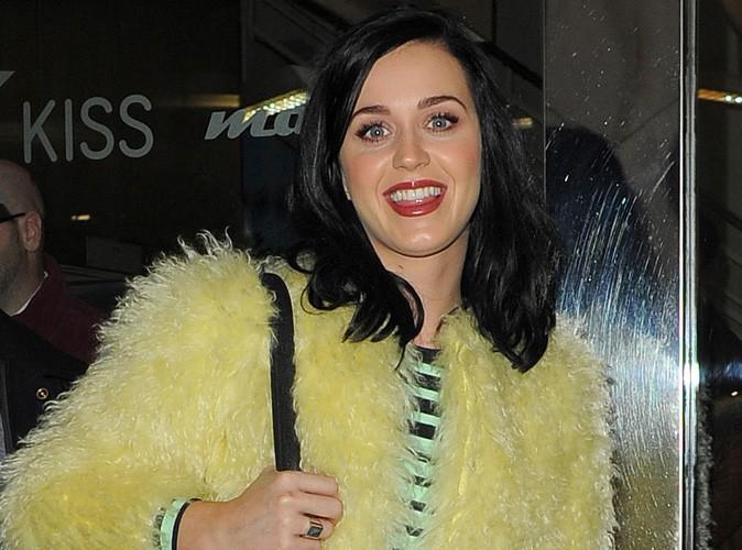 Katy Perry à la sortie de la radio KIss FM, à Londres, le 10 décembre 2013