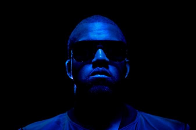 Kanye dans l'un des visuels promotionnels du prochain clip de Katy Perry, E.T..