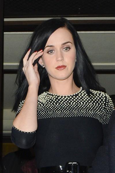 Katy Perry à la sortie du Restaurant 34 à Londres, le 9 décembre 2013.
