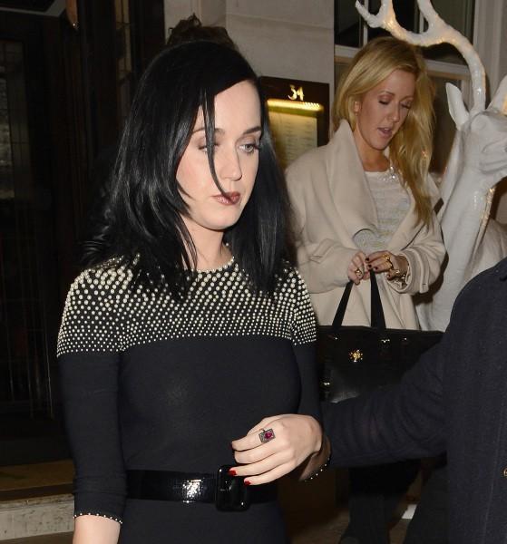 Katy Perry et Ellie Goulding à la sortie du Restaurant 34 à Londres, le 9 décembre 2013.