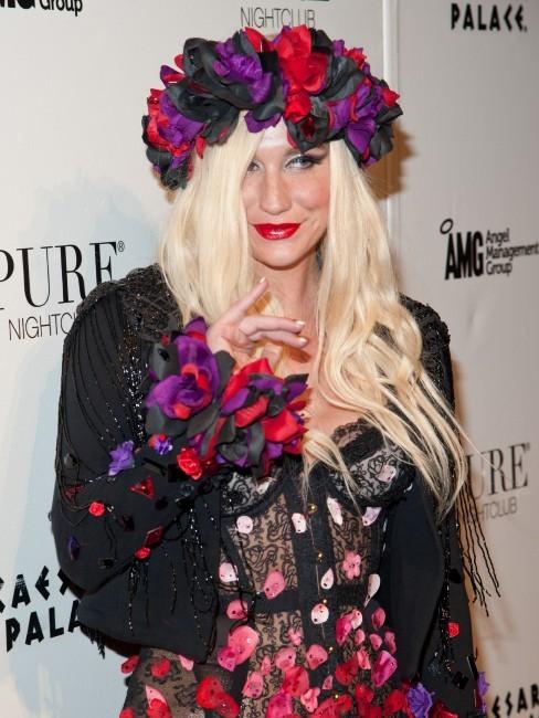 Ke$ha, une chanteuse fleurie