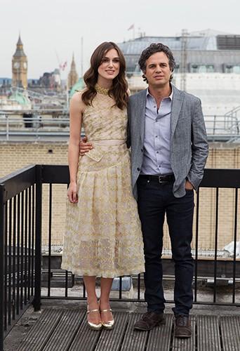 Keira Knightley et Mark Ruffalo à Londres le 2 juillet 2014