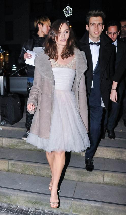 Photos : Keira Knightley : elle recycle (ENCORE) sa robe de mariée !
