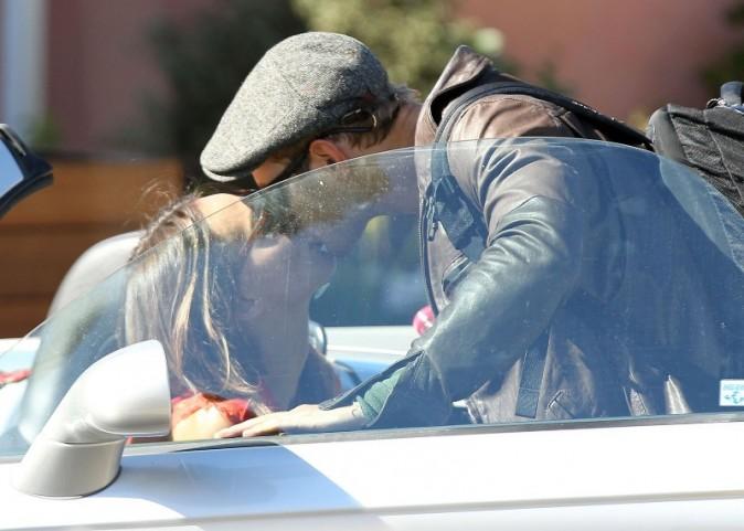 Kellan Lutz et Sharni Vinson à Santa Monica, le 13 novembre 2012.