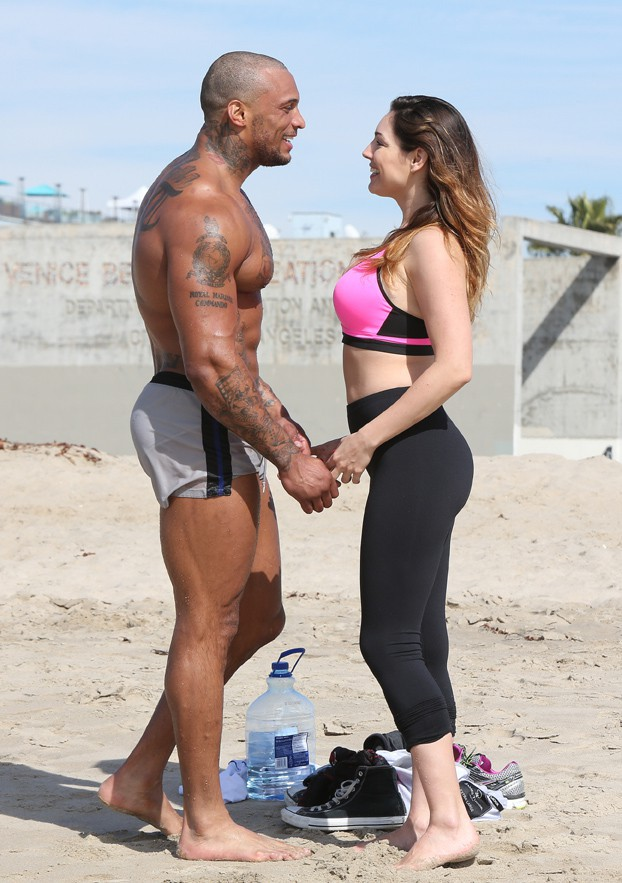 Kelly Brook avec son boyfriend David Mcintosh à Los Angeles le 12 février 2014