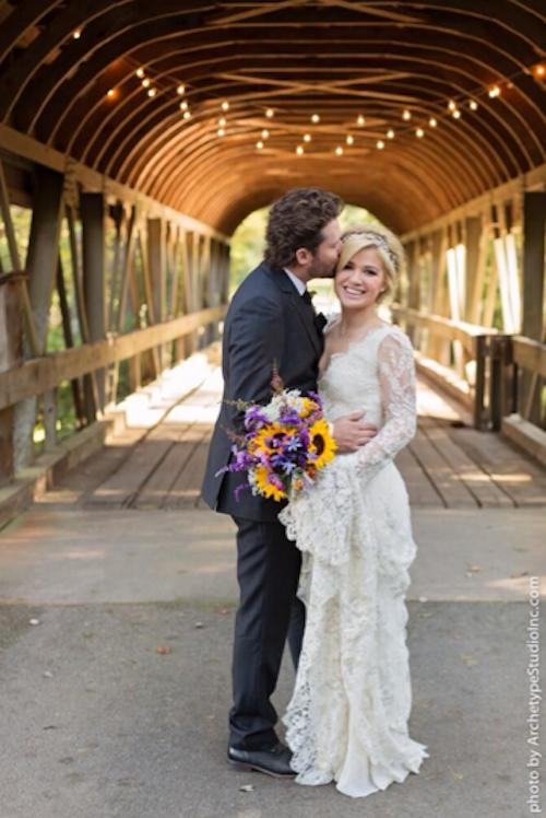 "Photos : Kelly Clarkson : elle a dit ""oui"" à Brandon Blackstock !"