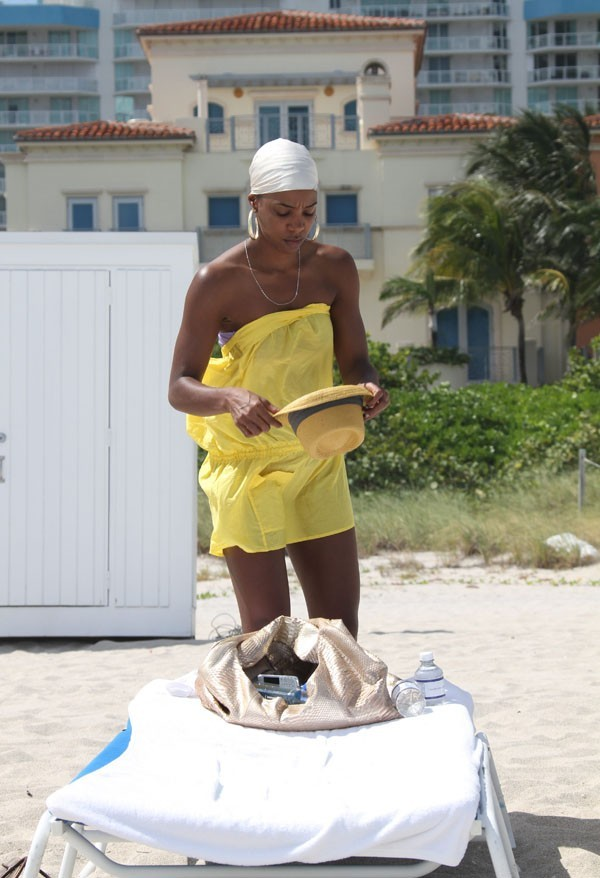 Kelly Rowland à Miami Beach hier !