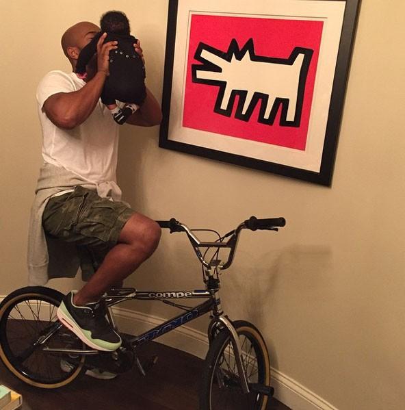 Quand Kelly Rowland n'était pas encore prête à dévoiler le visage de son fils...