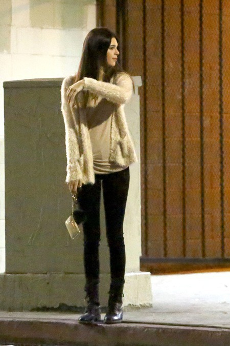 Photos : Kendall et Kylie Jenner : chicissimes, les deux soeurs profitent à fond de leur samedi soir !