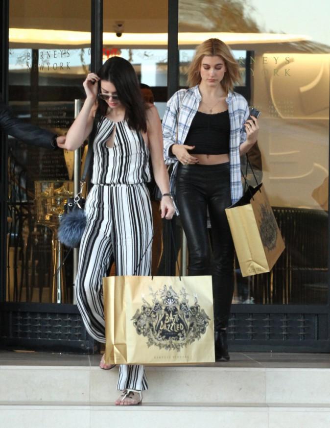 Photos : Kendall et Kylie Jenner : duo sexy et provocant pour festoyer avec Justin Bieber !