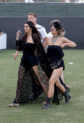 Kendall et Kylie Jenner à Indio le 12 avril 2014