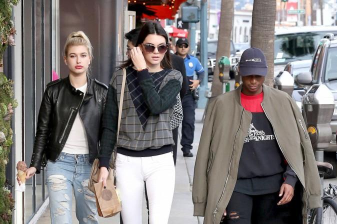 Photos : Kendall Jenner : arrêtée par la police, son charme lui vaut de ne pas être sanctionnée !