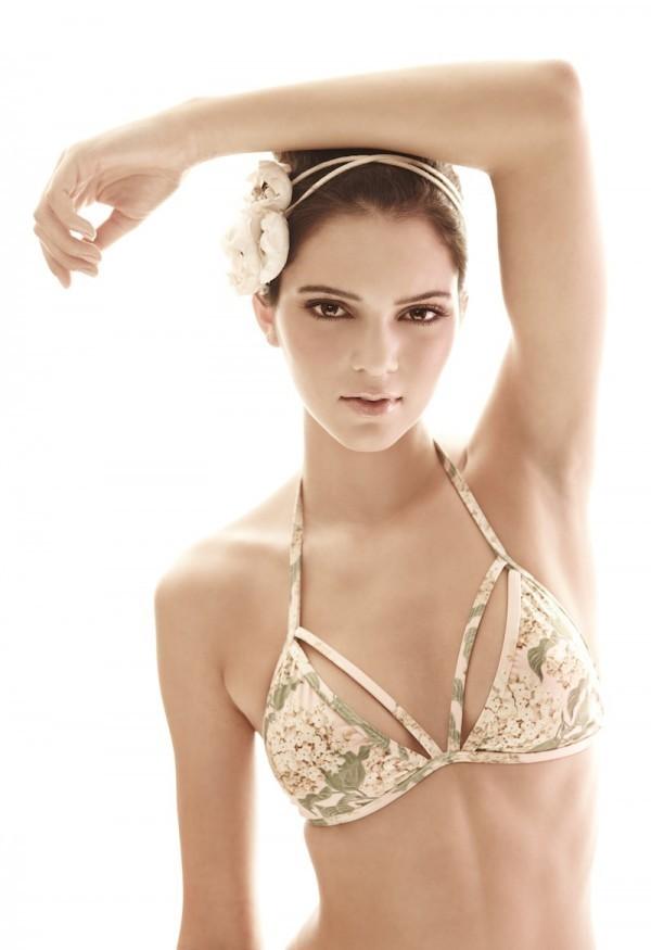 Kendall Jenner pour White Sands Australia