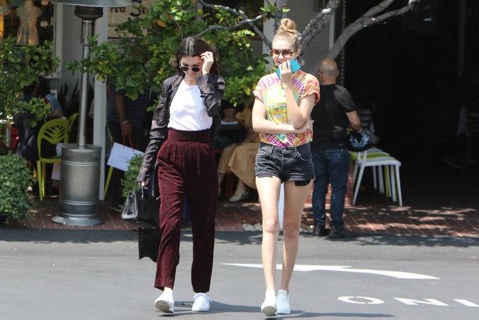 Kendall Jenner et Gigi Hadid : En mode casual chic pour une virée entre copines !