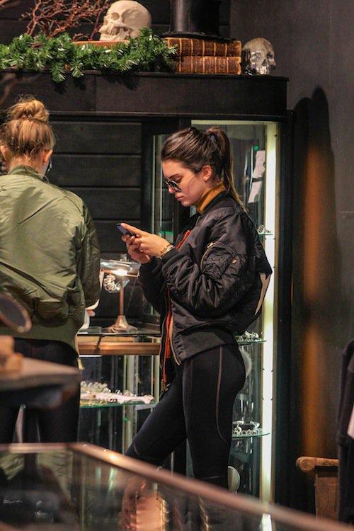Photos : Kendall Jenner et Gigi Hadid : sœurs de looks pour dévaliser les boutiques !