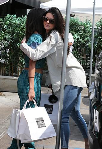 Kendall Jenner et Selena Gomez à Los Angeles le 21 mars 2014