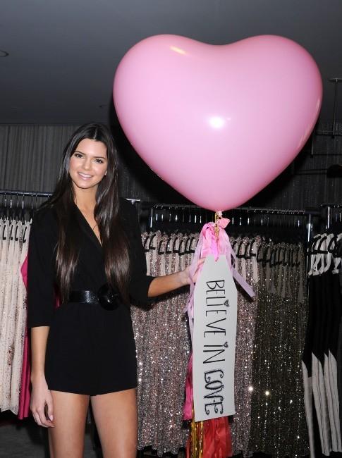 Kendall Jenner lors de l'ouverture d'une boutique à Los Angeles, le 13 février 2012.
