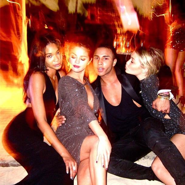 Photos : Kendall Jenner, Selena Gomez, Chanel Iman…: elles fêtent toutes la nouvelle année avec Olivier Rousteing!