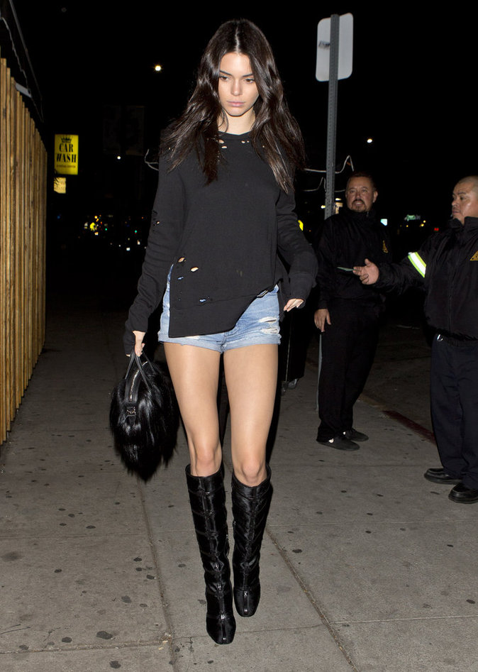 Photos : Kendall Jenner vs Hailey Baldwin : battle de gambettes !
