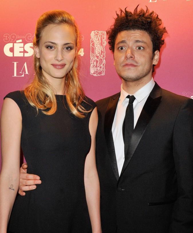 Kev Adams avec Nora Arnezeder, sa partenaire dans Fiston