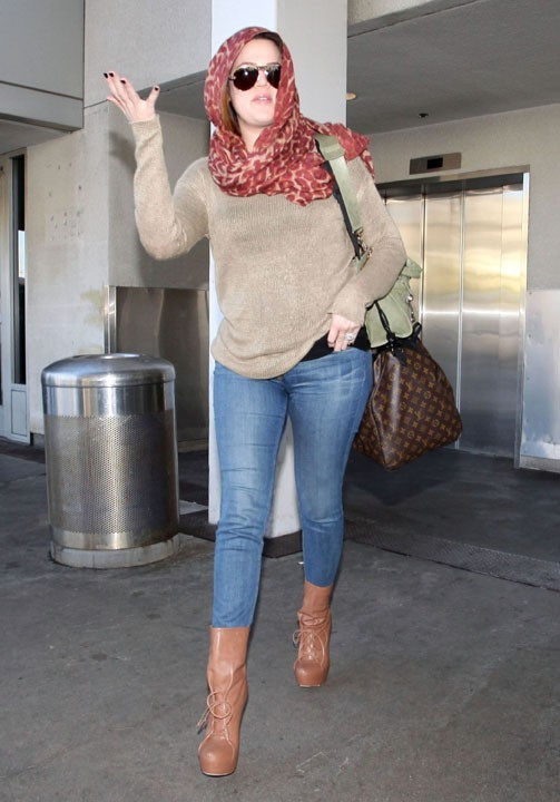 Khloé Kardashian à l'aéroport de Los Angeles hier !
