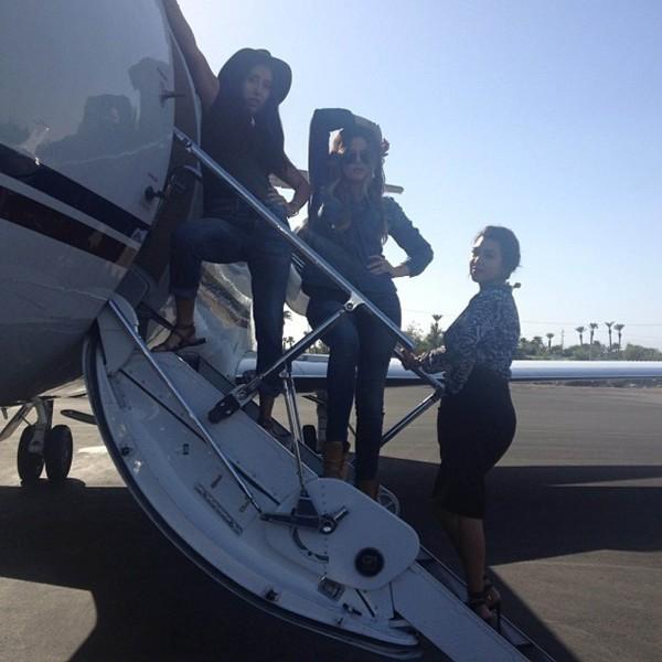 Khloe et Kourtney Kardashian de retour de Las Vegas, le 18 septembre 2013.