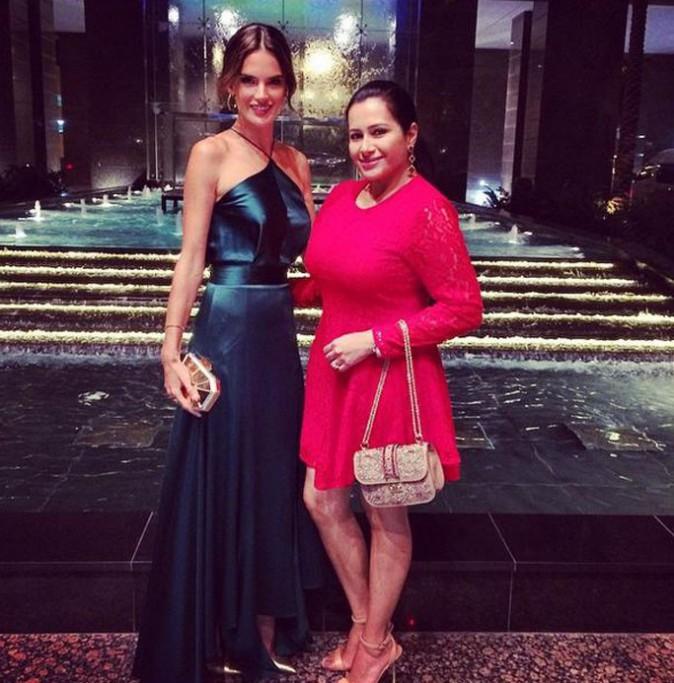 Alessandra Ambrosio, la touche glamour !