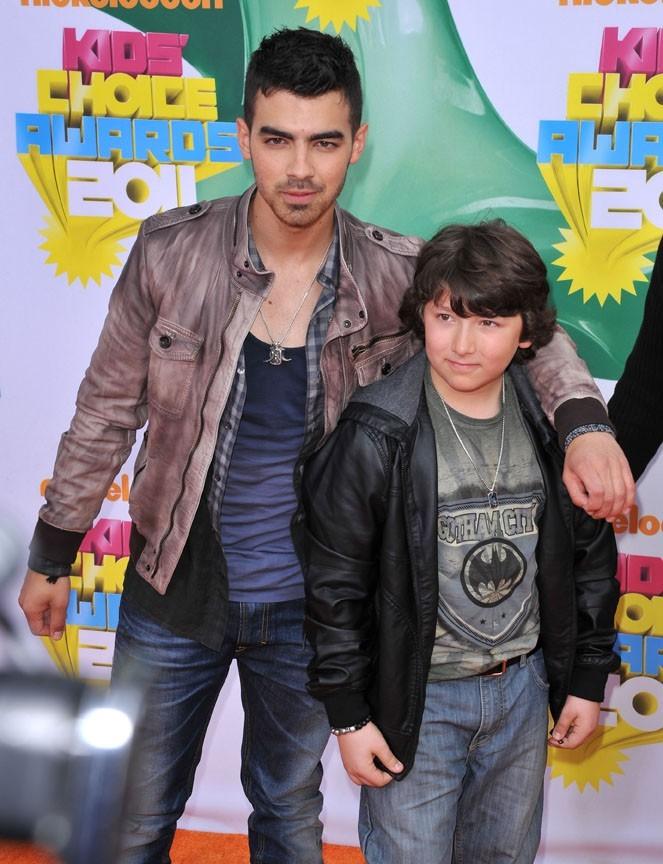 Justin Bieber commence -t-il à rendre les Jonas Brothers nerveux ?