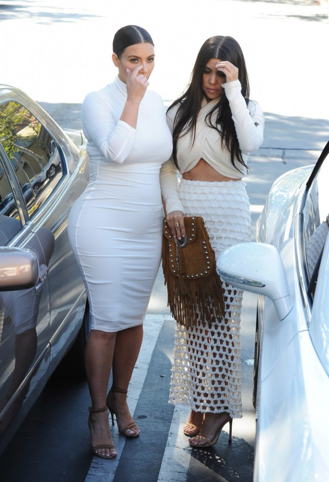Kim et Kourtney Kardashian le 7 juillet 2015