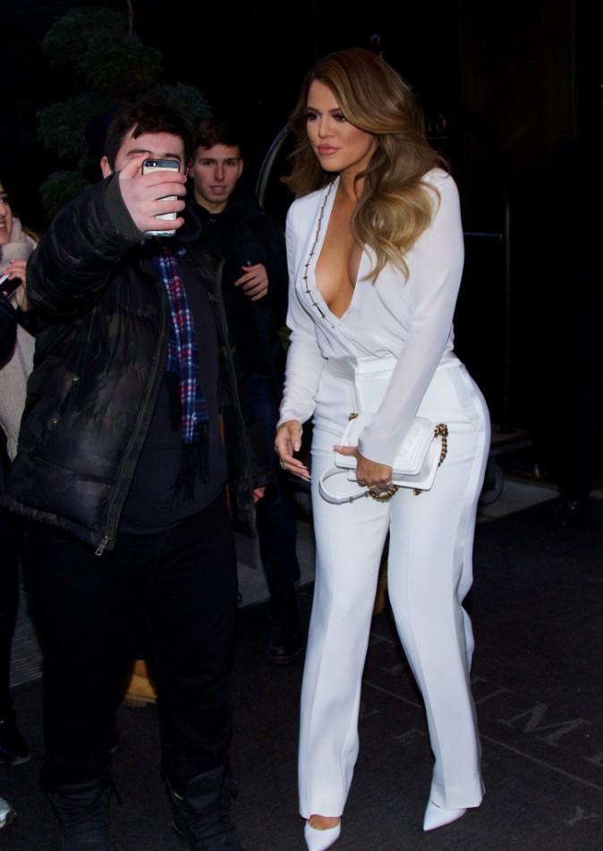 Photos : Kim et Khloe Kardashian : duel de décolletés, Koko met le paquet !