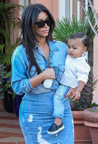 Kim Kardashian et North West à La Jolla le 22 août 2014