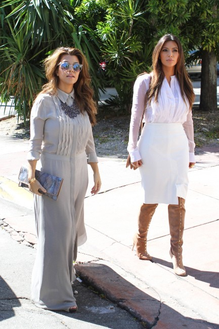 Kim et Kourtney Kardashian le 29 octobre 2012 à Miami