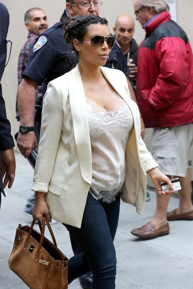 Kim Kardashian à l'aéroport de Los Angeles le 13 avril 2013