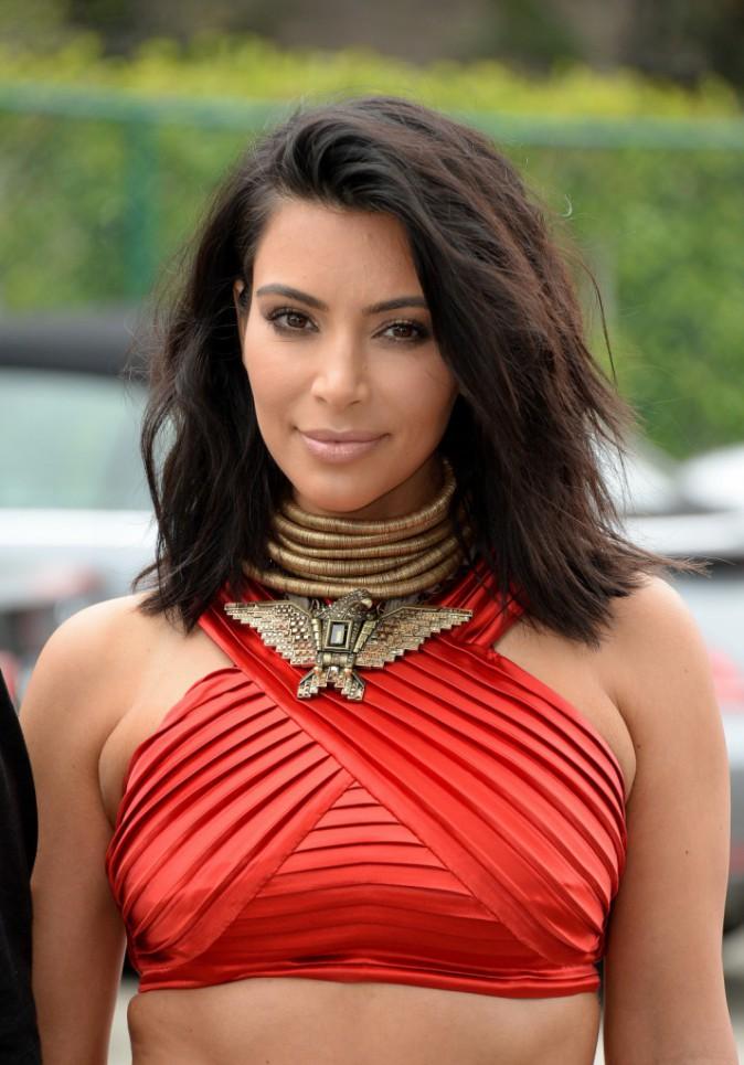 Photos : Kim Kardashian : bombesque en rouge au côté de Kanye et complice avec Rihanna (mais pas Beyoncé) !