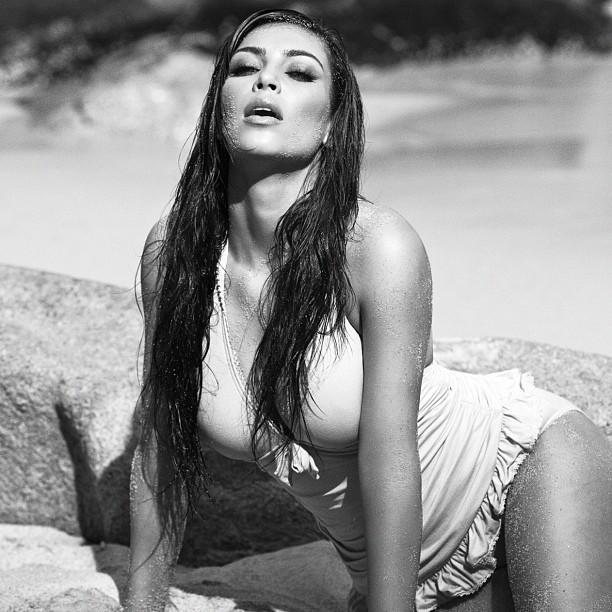 Pose caliente sur la plage