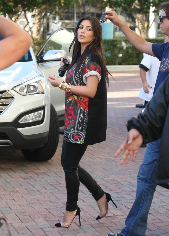 Kim Kardashian à Miami le 3 décembre 2012